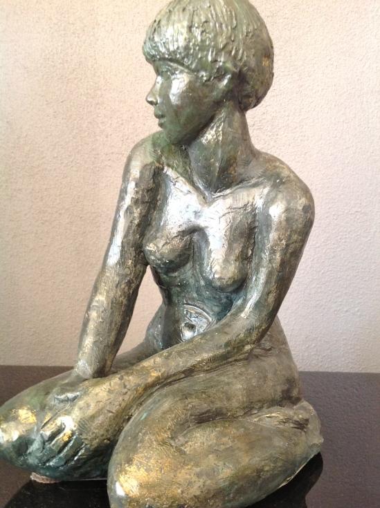 Martine-Sculpture-Nu-Figuratif-Terre cuite patinée bronze-H28/L15/P20cm