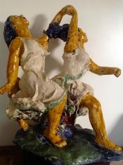 Filles--Sculpture-déstructuré-Terre cuite-Email au four-H 38/L44/P26cm-Fait main-Pièce unique