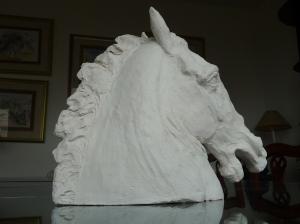 Cheval-Sculpture animalière-Terre cuite-H36/L13/P44cm-Patine Bronze-Fait main-Pièce unique.